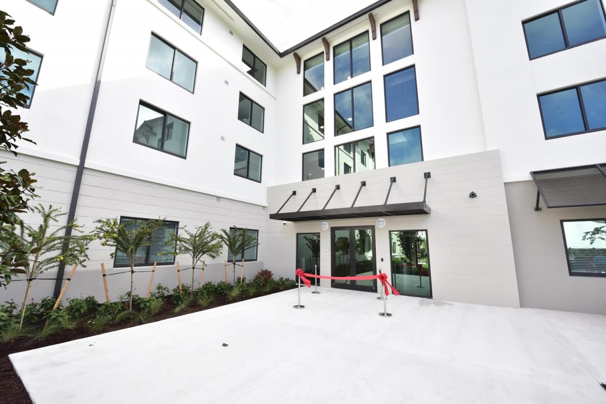 West Palm Beach Senior Apartments ext2